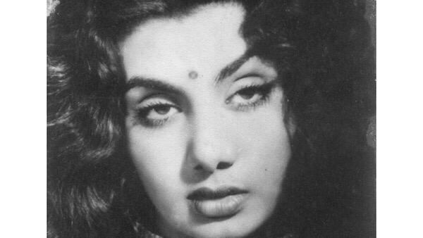 Rishi Kapoor Condoles Veteran Actress Nimmi's Death