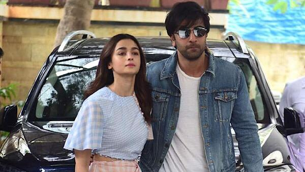 Video: Alia & Ranbir Take A Walk, Couple Moved In Together?
