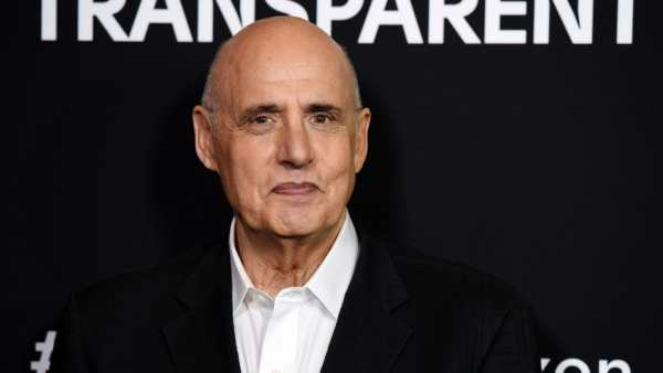 Jeffrey Tambor Apologises Again For 'Transparent' Sexual Misconduct Allegations