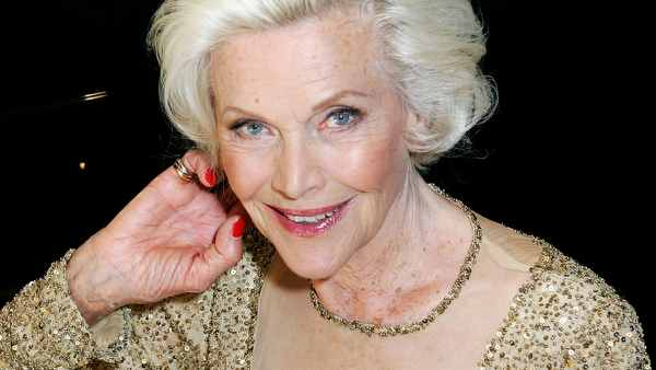 Goldfinger Actress Honor Blackman Passes Away At 94