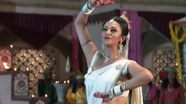 ALSO READ: Did You Know Divyanka Tripathi Was A Part Of 2012's Ramayan?