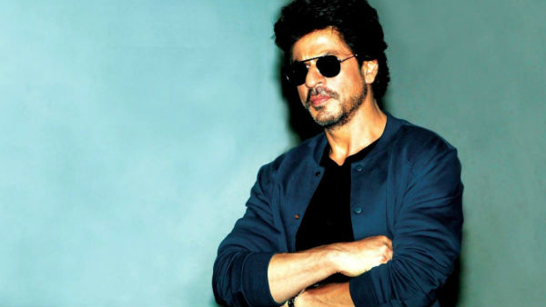 Netizens Laud Shah Rukh Khan; Call Him A 'Real Hero'