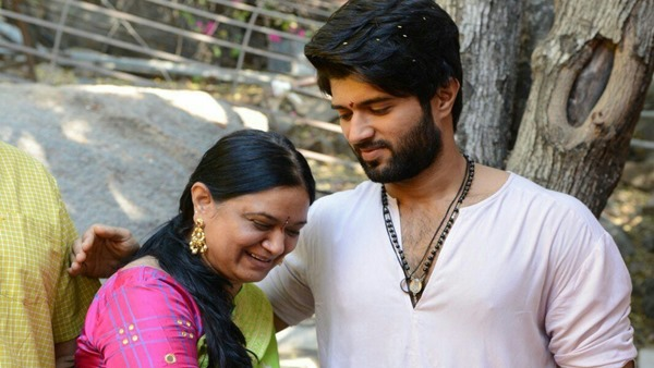 Also Read : Vijay Deverakonda's Mom Stops Him From Doing The #BeTheREALMAN Challenge; Find Out Why