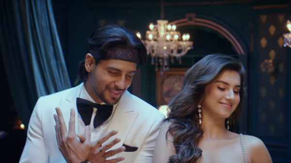 Teaser For Sidharth And Tara's Masakali 2.0 Out Now