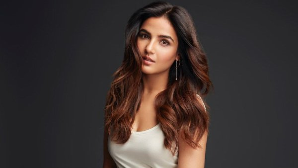 Jasmin Bhasin Doesn't See Herself In Bigg Boss: 'I Cannot Be Manipulative And Diplomatic'