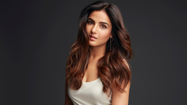 Jasmin Bhasin Doesn't See Herself Participating In Bigg Boss