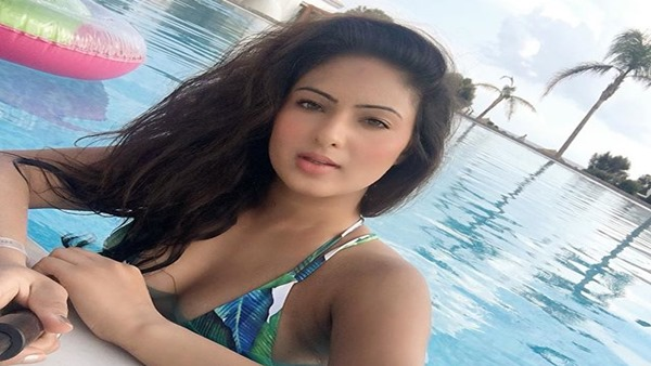 Pawan Kalyan's Co-star Nikesha Says Hollywood & Tollywood Are Same When It Comes To S*xual Abuse