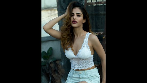 EXCLUSIVE Interview! Bekaaboo's Priya Banerjee Wants To Work With Sanjay Leela Bhansali!