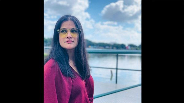 sona-mohapatra-releases-a-funny-political-music-video-titled-zaalima-amid-lockdown