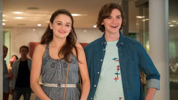 The Kissing Booth 2 Synopsis