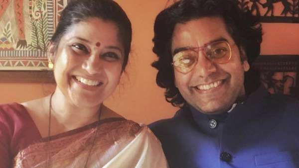 Renuka Shahane Reveals How The Couple First Met