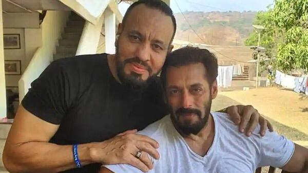Salman Khan Celebrates Eid With His Bodyguard Shera