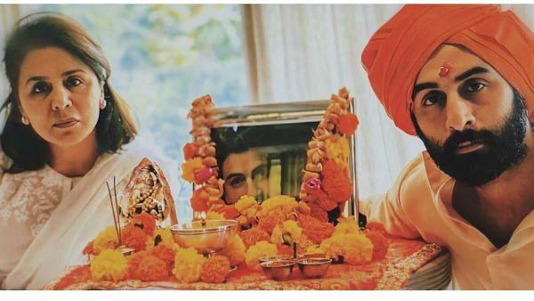 Ranbir And Neetu Kapoor Organised A Prayer Meet For Rishi Kapoor At Their Residence, See Pic!