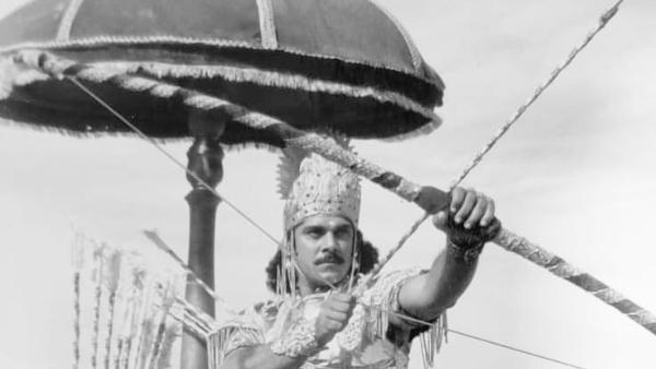 ALSO READ: Mahabharat: Karna Aka Pankaj Dheer's Death Scene Makes Netizens Emotional