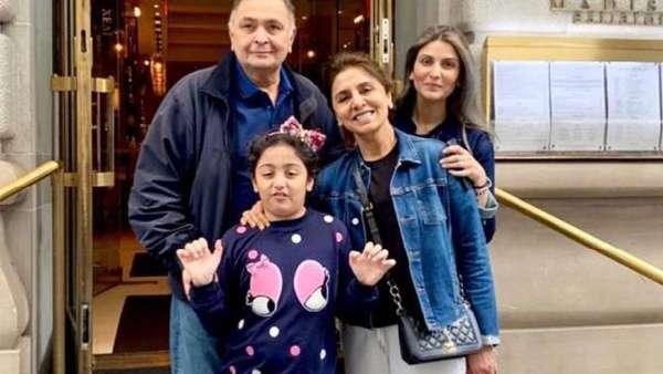 Riddhima With Rishi Kapoor, Neetu And Daughter Samara