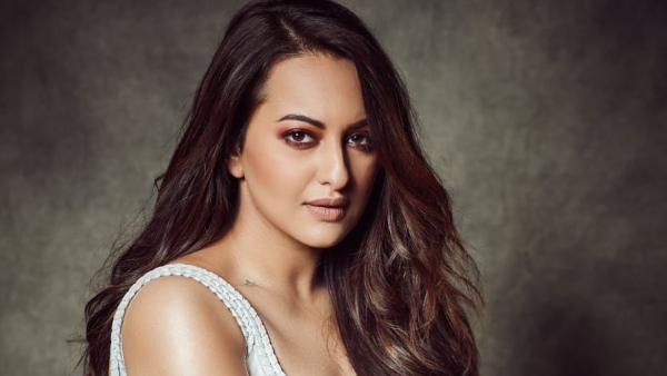 sonakshi-sinha-extends-her-support-to-raise-money-for-ppe-kits-for-healthcare-workers