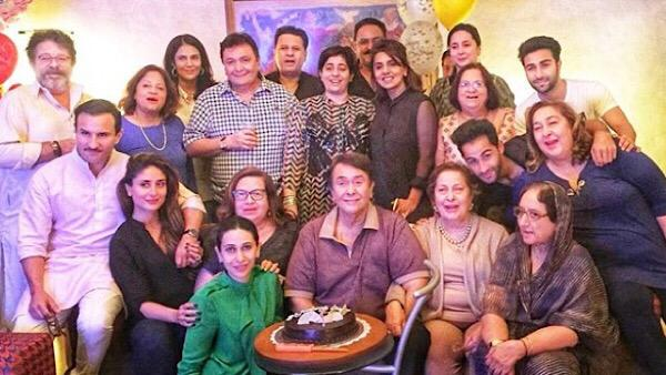 Karisma Mourns Uncle Rishi Kapoor's Demise, Posts Family Pic