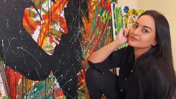 Sonakshi To Auction Her Art To Raise Funds For Daily Wagers