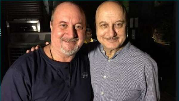 Fans Were Shocked By Similarities Between Anupam And Raju Kher