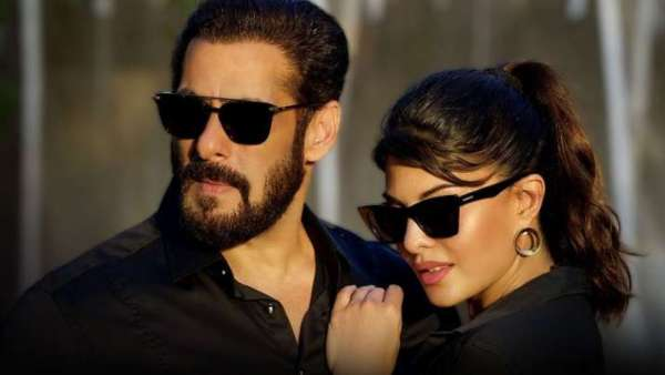 Salman Khan, Jacqueline Fernandez Spotted Riding Cycles In Panvel Amid Lockdown