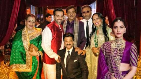 Netizens Photoshopped Sonam Kapoor In The Original Picture