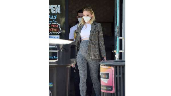 Sophie Pairs Leggings And Crop Top With Plaid Blazer