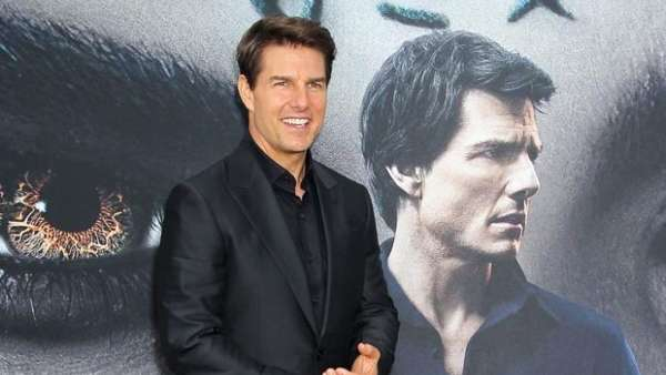 Mission Impossible 7: Tom Cruise Waves At Fans While Shooting On Top Of A High-Speed Train