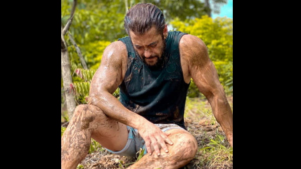 Salman's Pic With Mud Smeared All Over His Body Gets Trolled