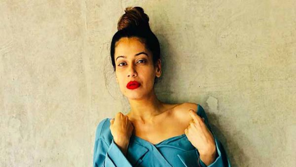 Payal Rohatgi Blames Liberals & Extremists For Her Twitter Account Suspension, Seeks Help From Fans
