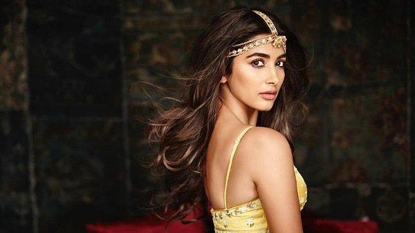 Pooja Hegde Rejects Nithiin Starrer Andhadhun Telugu Remake?