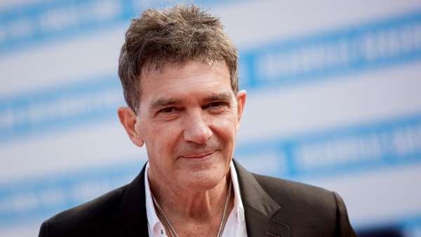 Spanish Actor Antonio Banderas Tests Positive For COVID-19