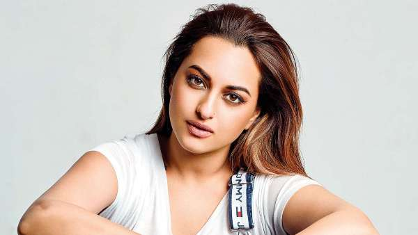 ALSO READ: Sonakshi Sinha's 'Ab Bas' Anti-Bullying Campaign On Social Media Gets 27-Year-Old Man Arrested