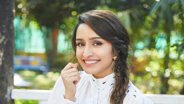 ALSO READ: Shraddha Kapoor Extends Her Helping Hand, Aids Paparazzi Financially During Lockdown