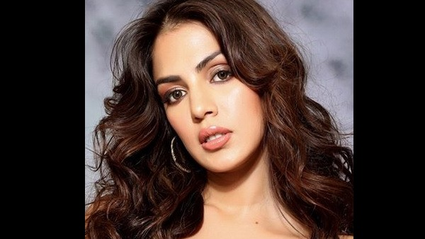 Rhea Chakraborty Denies Allegations Levelled Against Her By Sushant's Father