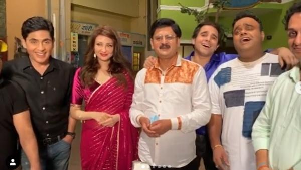 Also Read: Bhabiji Ghar Par Hain Team Bids Farewell To Saumya Tandon; Sings 'Abhi Na Jao Chod Kar'