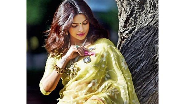 Priyanka Lends Support To Weavers And Artisans