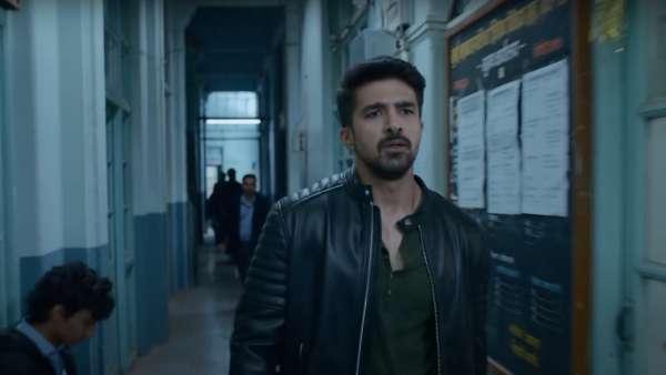 Riyaaz Pathan Played By Saqib Saleem