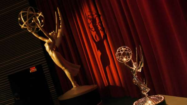 ABC Network Reveals Emmy Trophy Presenter's COVID-19 Safety Costume