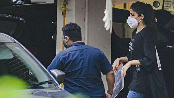 ALSO READ: NCB Arrests Rhea Chakraborty; Netizens Are Bifurcated Yet Again
