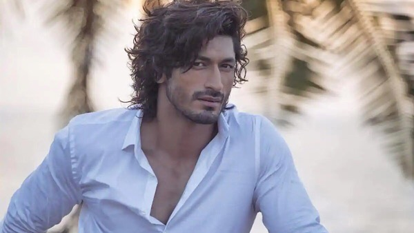 ALSO READ: Vidyut Jammwal Reveals He Is In A Relationship; Says He Really Likes A Girl
