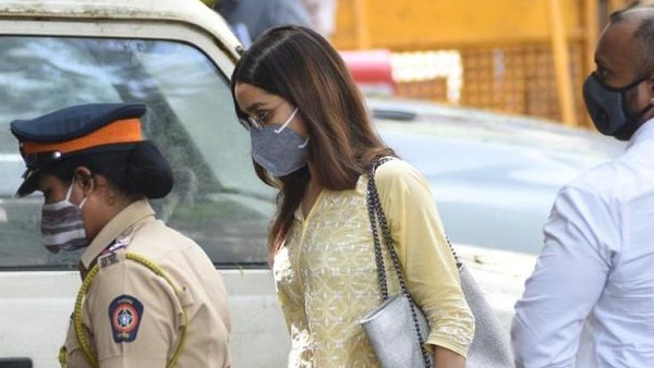 Shraddha Reaches NCB Office For Questioning In Drug Probe