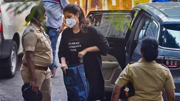 Rhea Chakrabortys Bail Plea Hearing Deferred To Sept 29