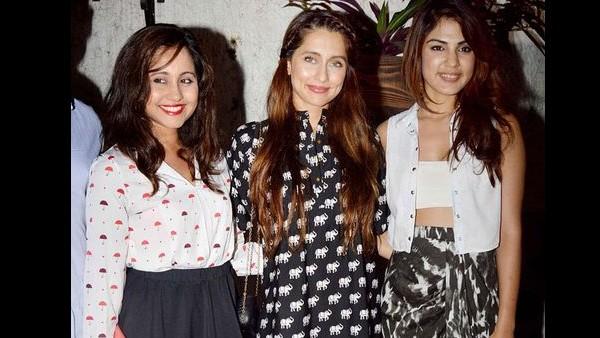 Anusha Dandekar Also Speaks In Favour Of Her 'Baby Sister' Rhea Chakraborty