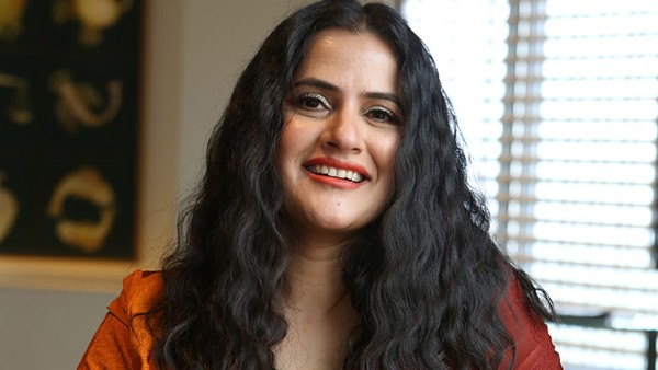 ALSO READ: Sona Mohapatra Suggests Bollywood How To Smash Patriarchy The Right Way, Lauds Anushka Sharma