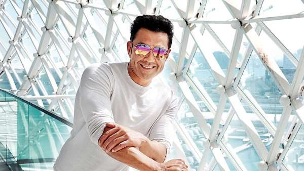 Shah Rukh Khan To Produce Love Hostel Starring Sanya Malhotra, Vikrant  Massey & Bobby Deol - Filmibeat