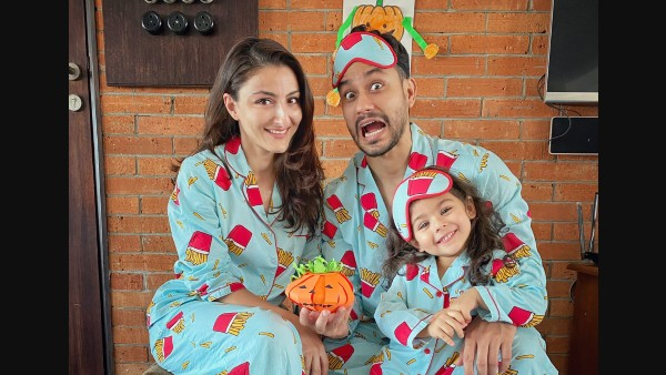 Inaaya Naumi Kemmu's Halloween Picture With Her Parents Kunal And Soha Is All Things Cute!