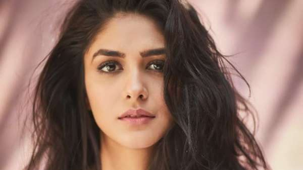 Mrunal Thakur Says There Have Been Many Rejections But She Didnt Lose Films To Star Kids