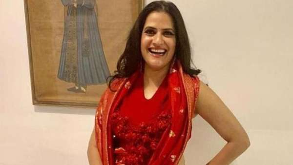 Sona Mohapatra Has A Savage Response To Twitter User Lecturing Her On Feminism