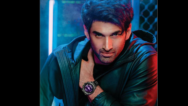 Aditya Roy Kapur Got Caught While Making Out In Public