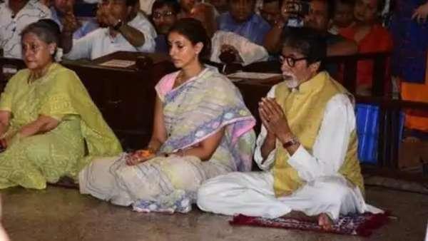 Jaya Bachchan With Family At Durga Pooja